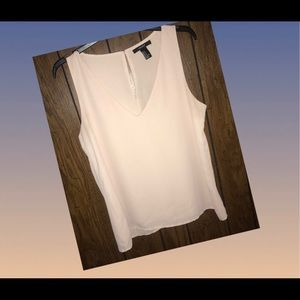 Cute blouse!